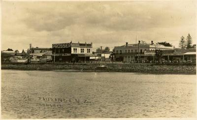 Print, Photographic, Star Hotel and Prosser Real Estate, Tauranga