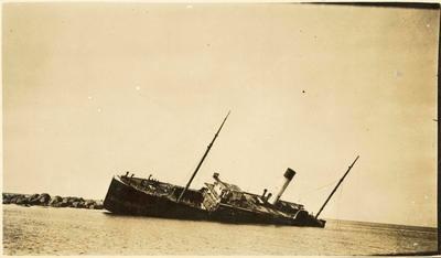 Print, Photographic, Steamer 'Manaia' wrecked on Slipper Island
