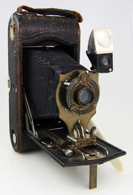 Camera, No 1A Autographic Kodak Junior