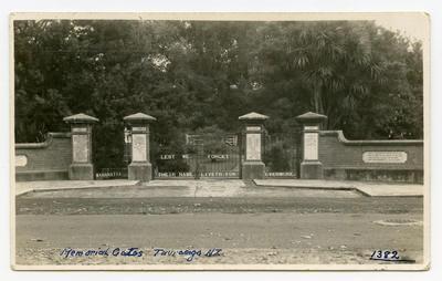 Postcard, Tauranga Domain, Memorial Gates, WW1