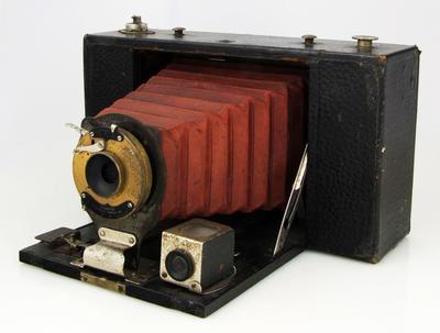 Camera, No.3 Folding Brownie Model D
