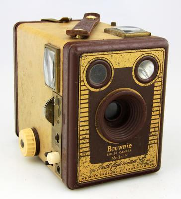 Camera, Brownie Six-20 Model F