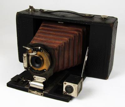 Camera, No 3 Folding Brownie Model D