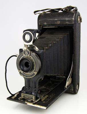 Camera, No.3A Autographic Kodak Junior