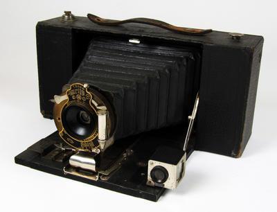 Camera, No3A Folding Brownie Model A