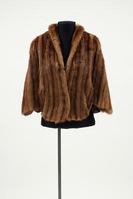 Cape, Fur