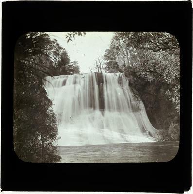 Lantern Slide, Papakorito Falls
