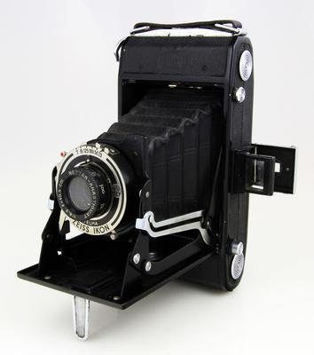 Camera, Zeiss Ikon Nettar 515/2