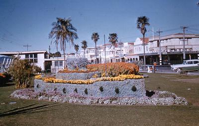 Slide, Floral Ship, The Strand, Tauranga