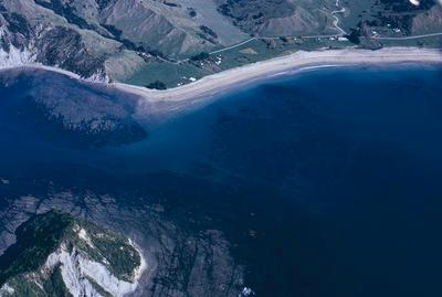 Slide, Anaura Bay