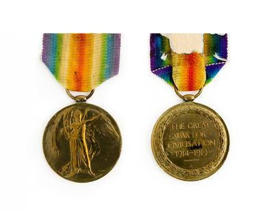 Victory Medal, WW1,  Rfl. C. C. T. Davies